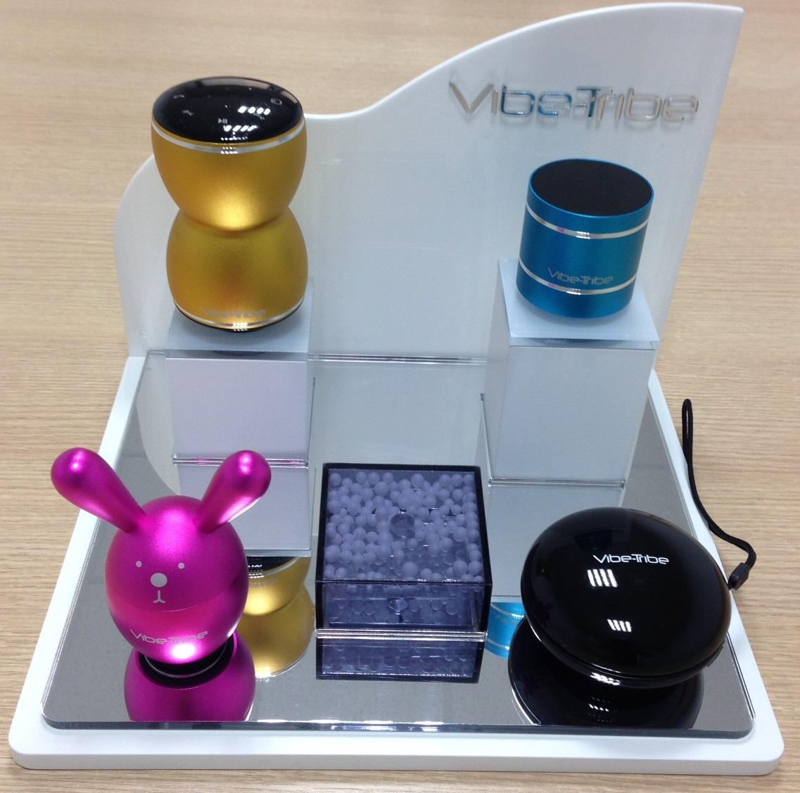 Vibe-Tribe Yoyo Pearl - Głośnik wibracyjny wbudowane radio i czytnik kart Micro-SD (biały)