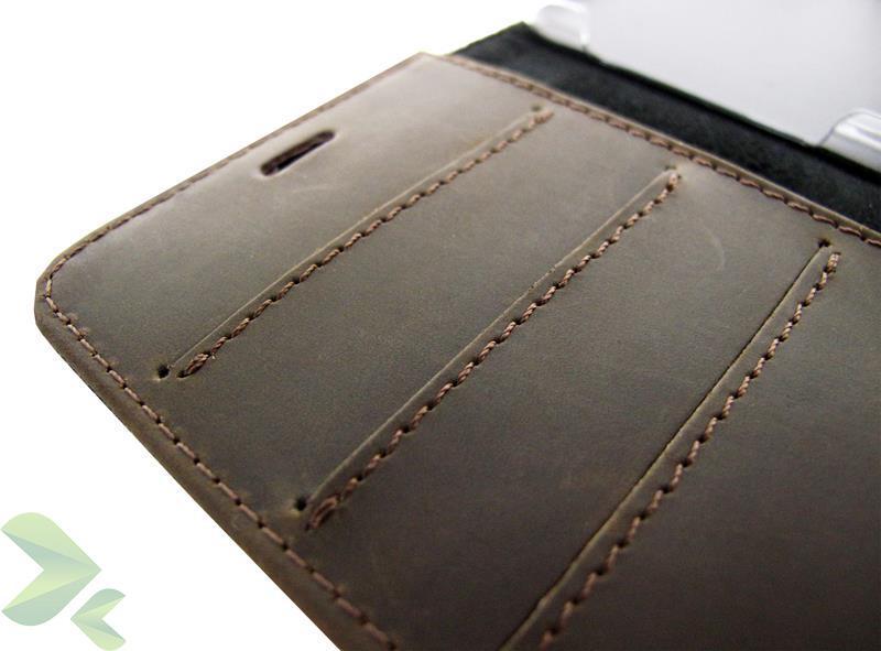 Valenta Booklet Raw Vintage - Skórzane etui z kieszeniami na karty i pieniądze iPhone 6s / iPhone 6 (brązowy)