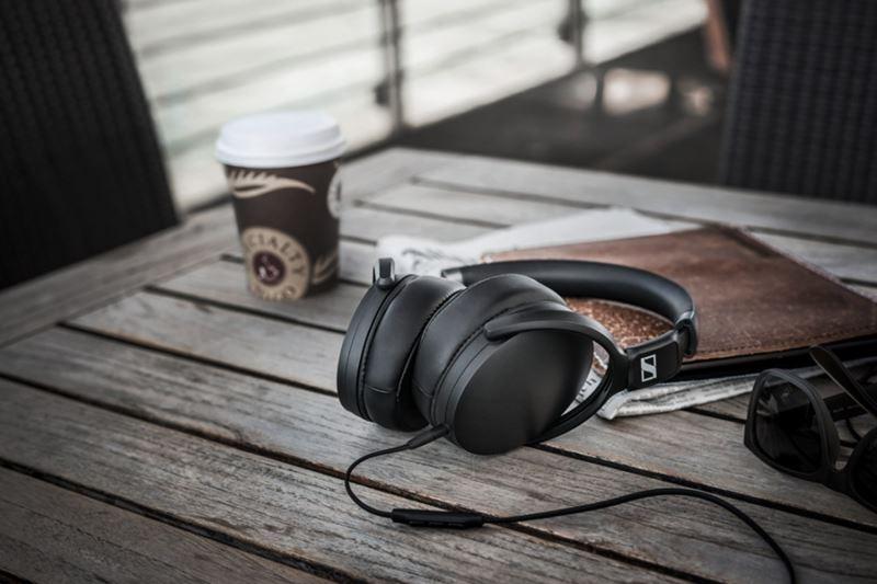 Sennheiser HD 4.30 I Black - Składane zamknięte dynamiczne słuchawki stereofoniczne, MFi (czarny)